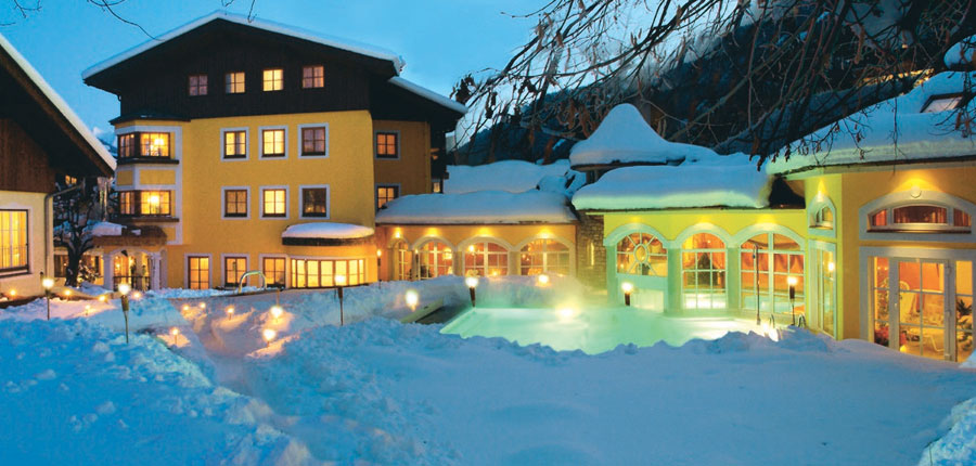 Austria_Zell-am-see_Romantik-Hotel_Exterior-winter-night.jpg
